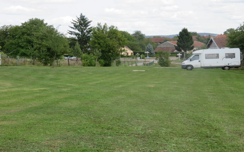 Aire camping-car à Martinvelle (88410) - Photo 2